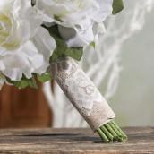 Le fourreau pour bouquet dentelle vintage