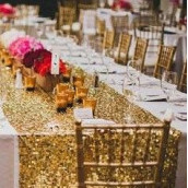 Le chemin de table sequins or
