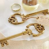 Le décapsuleur clé ancienne or