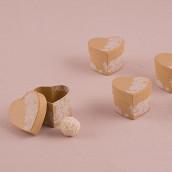 Les 6 boîtes coeur avec dentelle