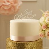 La figurine just married argent pour gâteau
