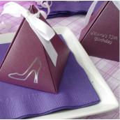 La boîte pyramide personnalisée métallisée