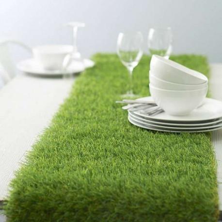 chemin de table en fausse herbe. Black Bedroom Furniture Sets. Home Design Ideas