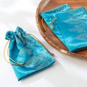 Le pochon à dragées oriental bleu cadeau d'invités