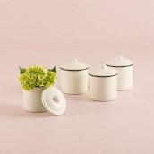 Le pot imitation porcelaine avec couvercle