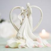 La figurine contemporaine valse en porcelaine