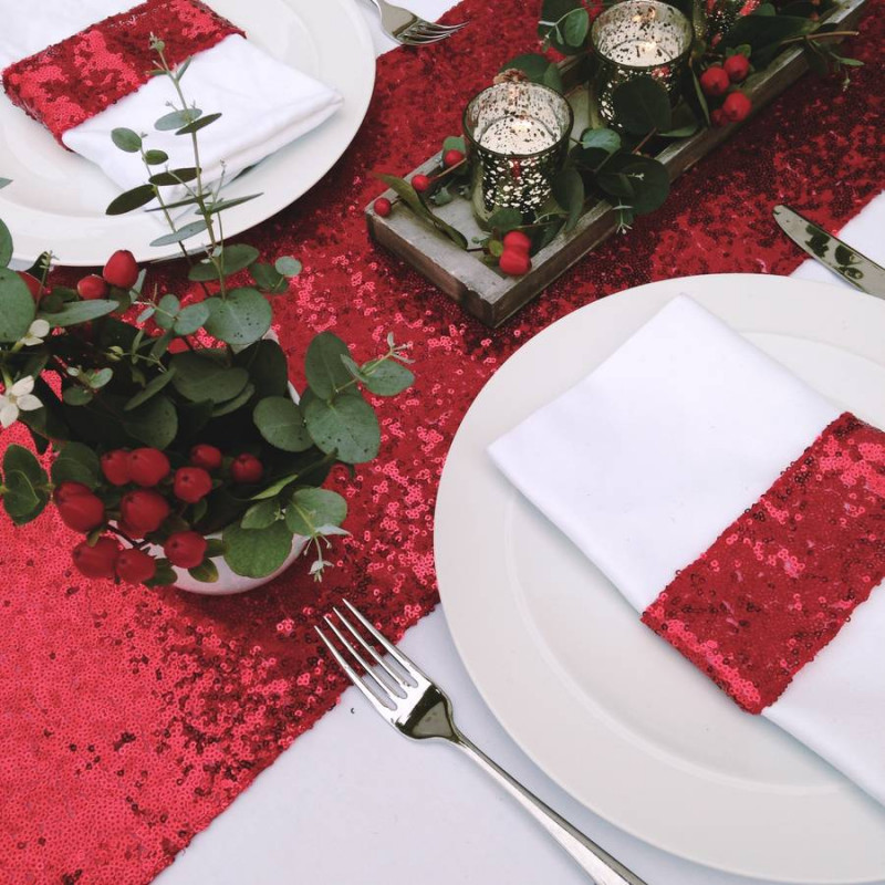 chemin de table sequins rouge deco table. Black Bedroom Furniture Sets. Home Design Ideas