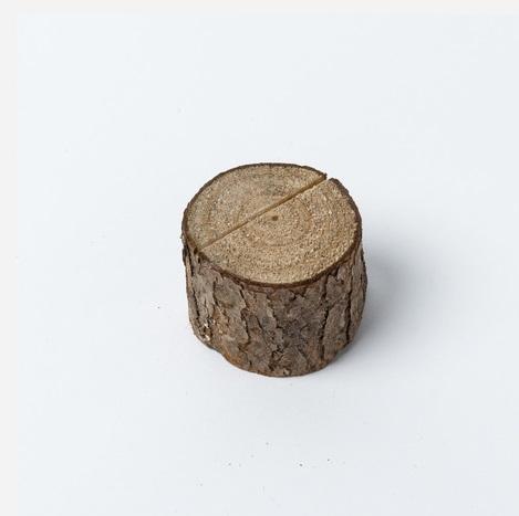 le porte nom rondin en bois place du mariage. Black Bedroom Furniture Sets. Home Design Ideas