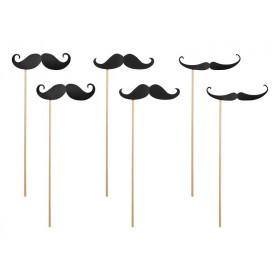 Les 6 accessoires moustaches pour photobooth