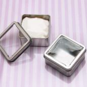 La boite à dragées carrée en métal