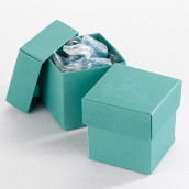 La boite à dragées cube vert émeraude (par 25)