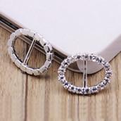 La boucle stras ovale pour ruban