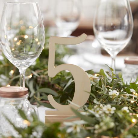 Num ro table mariage en bois poser for Ikea tischdeko