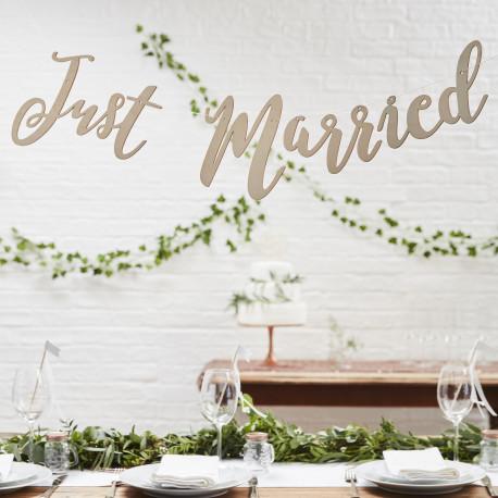 La banderole just married en bois