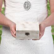 Le coffret à alliances en bois cérusé personnalisable