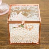 Le porte-alliances cube cuivre motif floral
