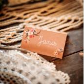Le carton marque place kraft et fleurs (x10)