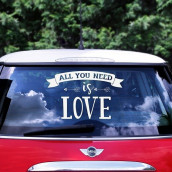 Le sticker voiture All you need is love