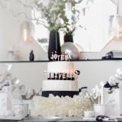 Les bougies joyeux anniversaire argent