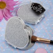 Le mini miroir coeur et sa pochette