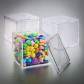 Le contenant à cube transparent