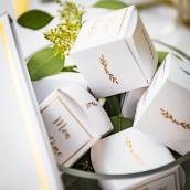 La boite à dragées baptême blanc et or (x10)