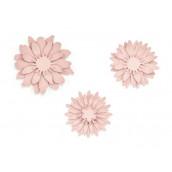 Les fleurs en papier rose