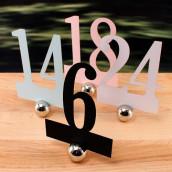 Les 12 numéros de table en relief