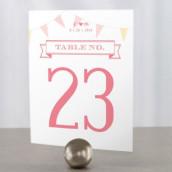 Les 12 numéros de table fanions en fête