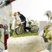 La figurine couple à vélo en porcelaine