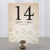 Les 12 numéros de table dentelle vintage