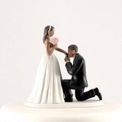 La figurine baise main couple noir