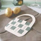 Décoration de table thème Pâques : Marque-place lièvre et menu panier