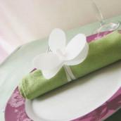 Esprit récup : rond de serviette orchidée en plastique