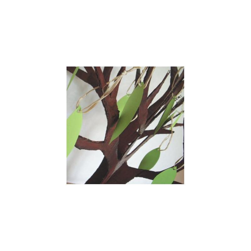 livre d 39 or arbre en carton. Black Bedroom Furniture Sets. Home Design Ideas