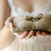 Idées pour le porte-alliance de mariage