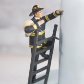 Le figurine de mariage pompier en porcelaine