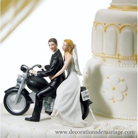 La figurine de mariage couple à moto
