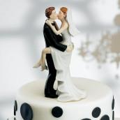 La figurine de mariage baiser fougueux