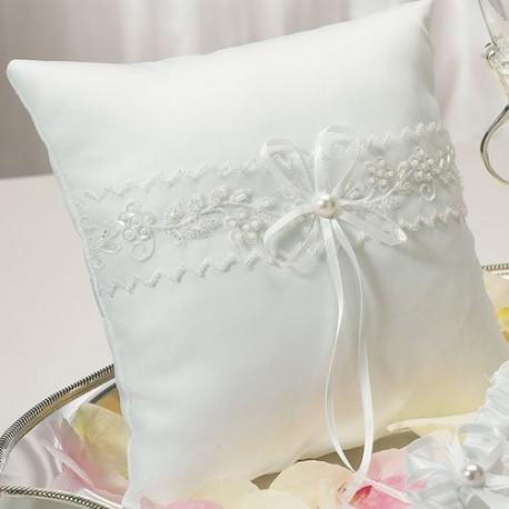 coussin alliances mariage dentelle. Black Bedroom Furniture Sets. Home Design Ideas
