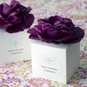 La boîte à dragées cube avec fleur