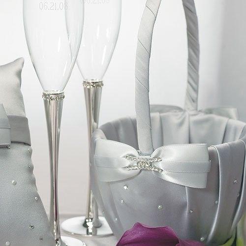 Panier gris strass pour p tales de fleurs place du mariage - Comment decorer une corbeille de mariage ...