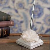 Le porte stylo fleur de dentelle