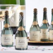 La bouteille de champagne à bulles
