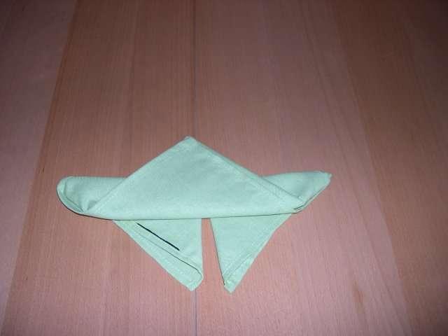 pliage serviette papillon tutoriel. Black Bedroom Furniture Sets. Home Design Ideas