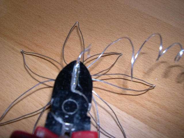 réalisation marque place fleur en fil de fer  rétro bricolage faire soi même