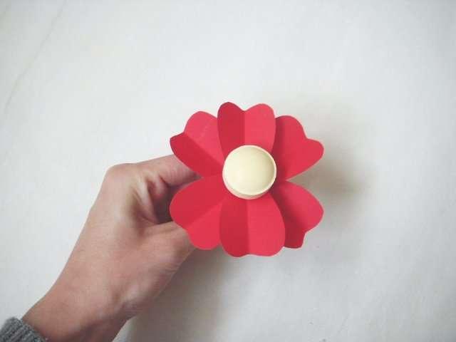 realiser marque place sucette fleur. Black Bedroom Furniture Sets. Home Design Ideas