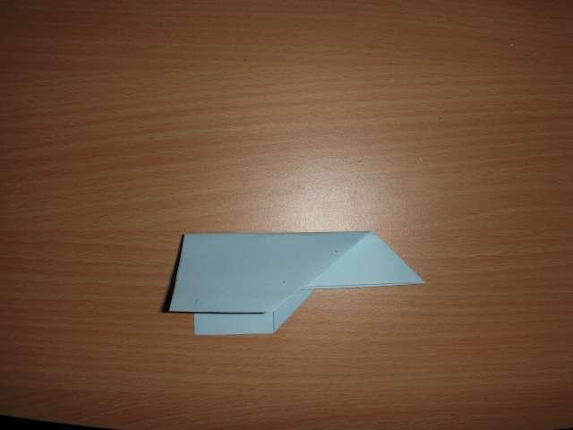 réalisation marque place avion en papier pliage  explication faire soi même