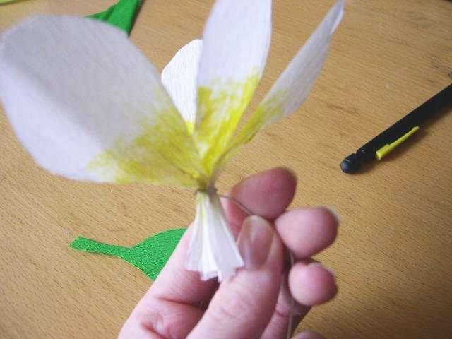 réalisation marque place fleur de frangipanier exotique  tutoriel fiche technique  papier crépon