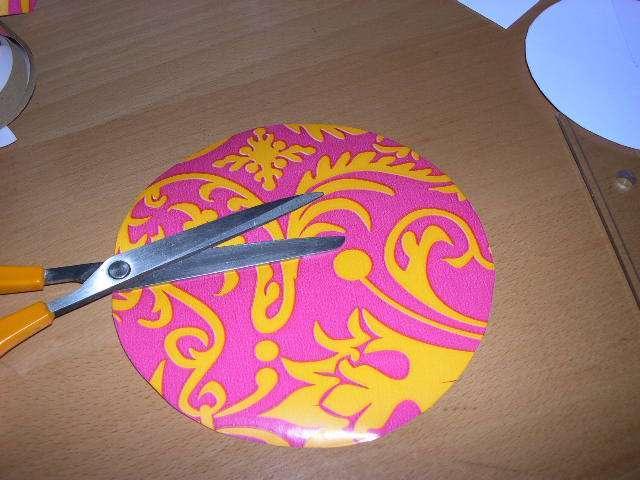 réalisation marque place ombrelle en carton asie japon chinois explication